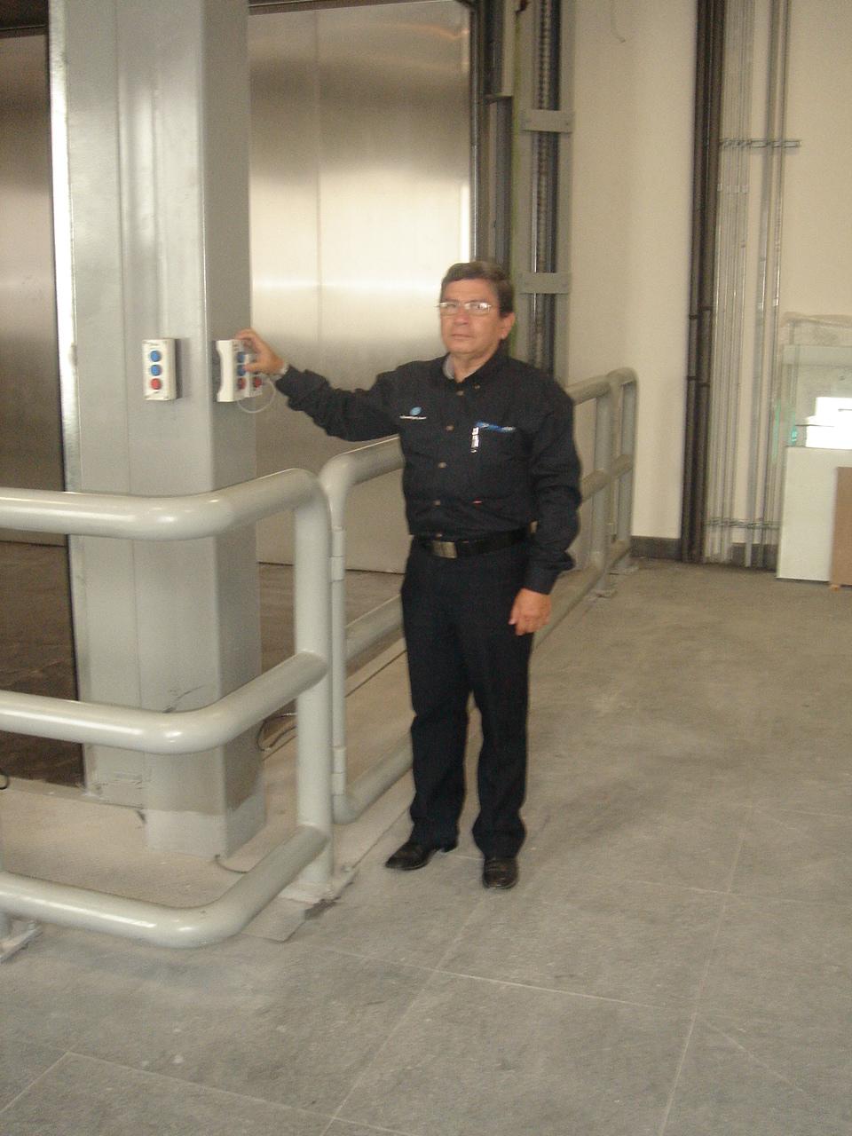 Funcionamiento elevador carga