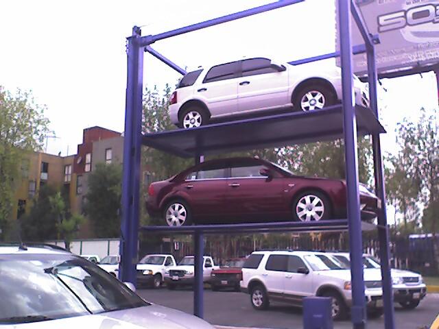 triple espacio estacionamiento.Serretecno